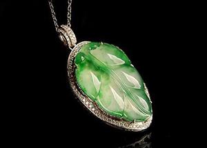 珠宝玉石的鉴定需要借助哪些仪器?