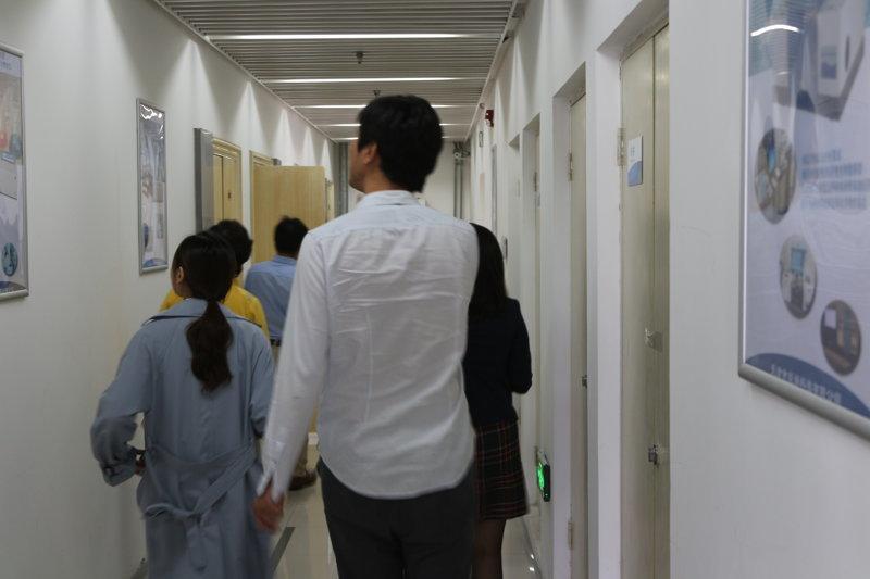 调研组参观天津ju111net免费影城科技